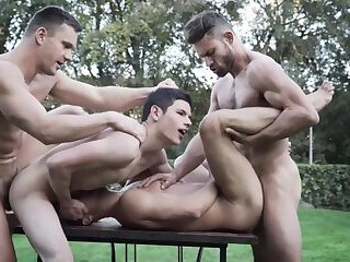 2RoughTops Breed 2CumHungryTwinks