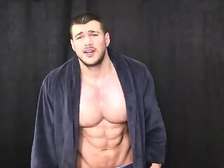 Joshua Armstrong Gets Verbal and JerksOff on His WebCam!
