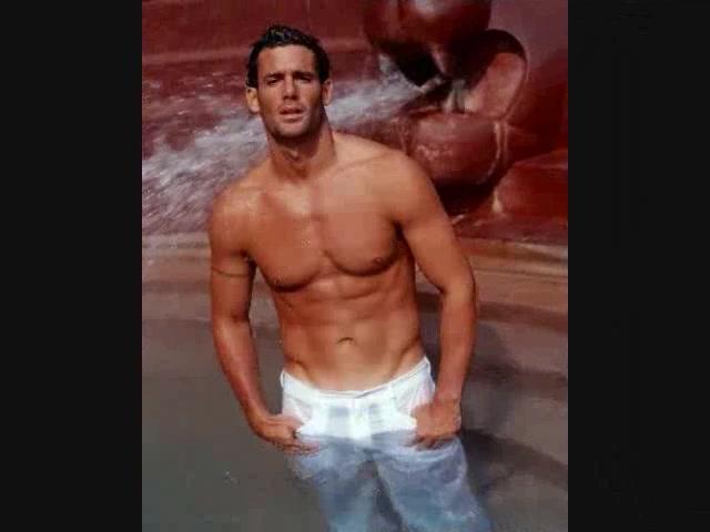 Slideshow of sportsmen sexy guys