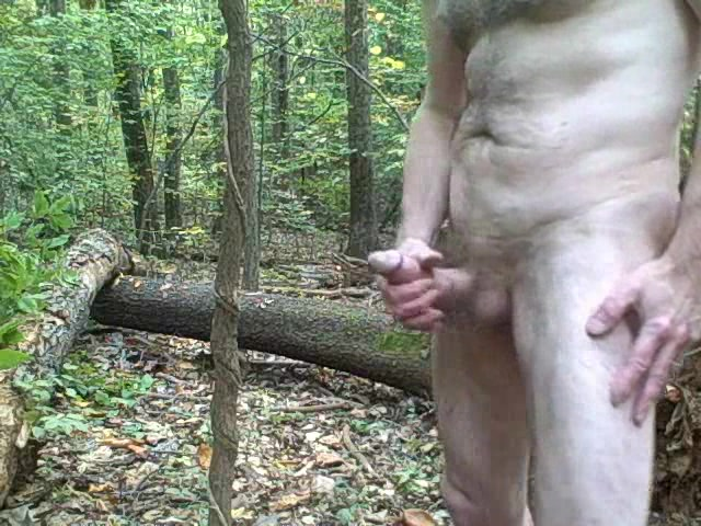 Extreme wanking in the forest