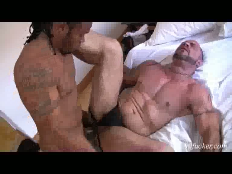 Castro drills tattooed mature hunk