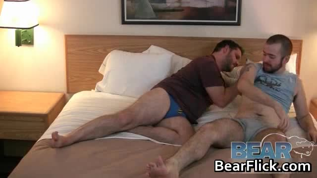 Gay bear vidio