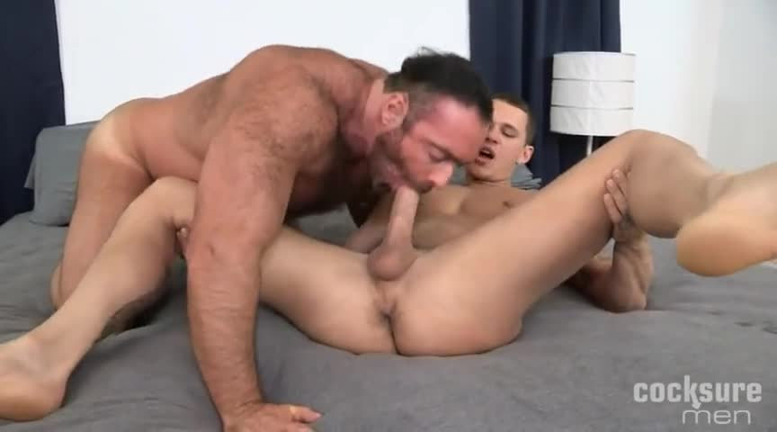 Huge shemale cock tube
