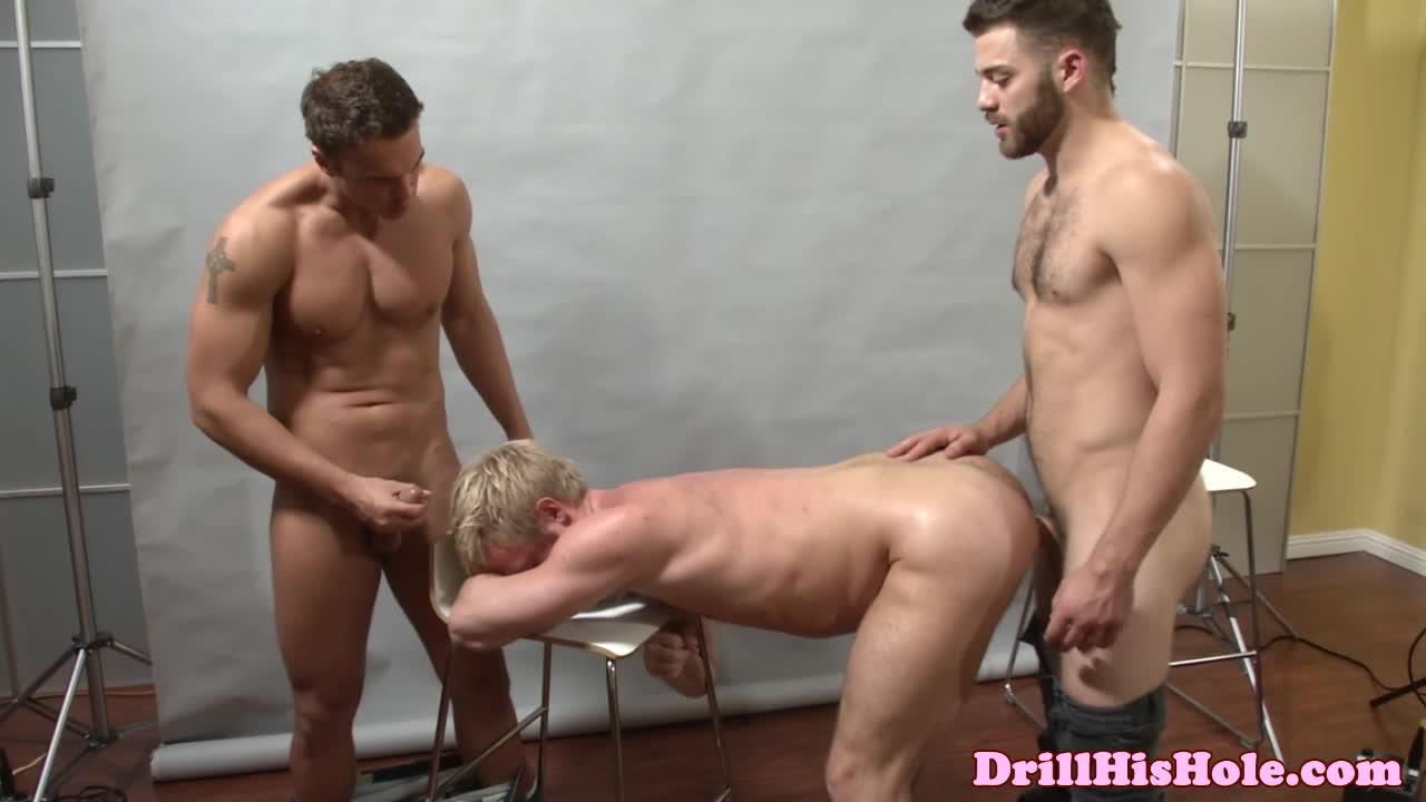 Bottom tommy defendi in threesome