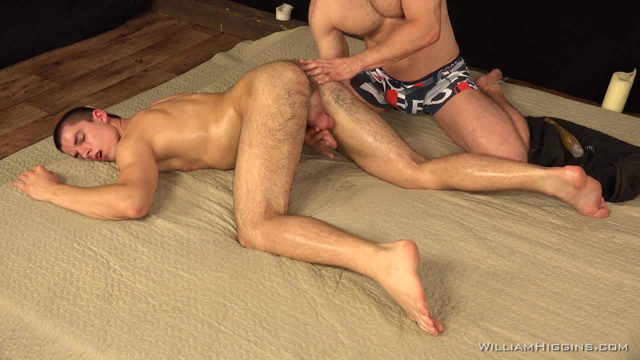 Body oiled and gayporn | Sex fotos)
