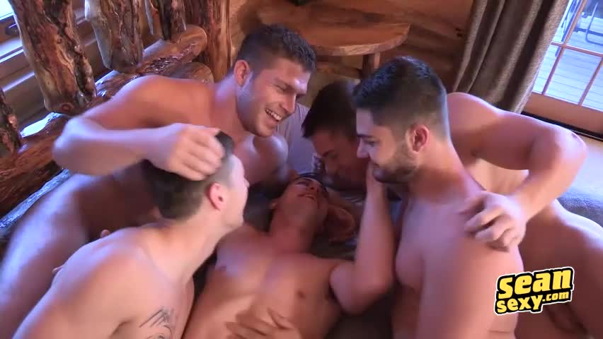 Holiday Season Blowjob And Anal Bareback For Gay Groupies