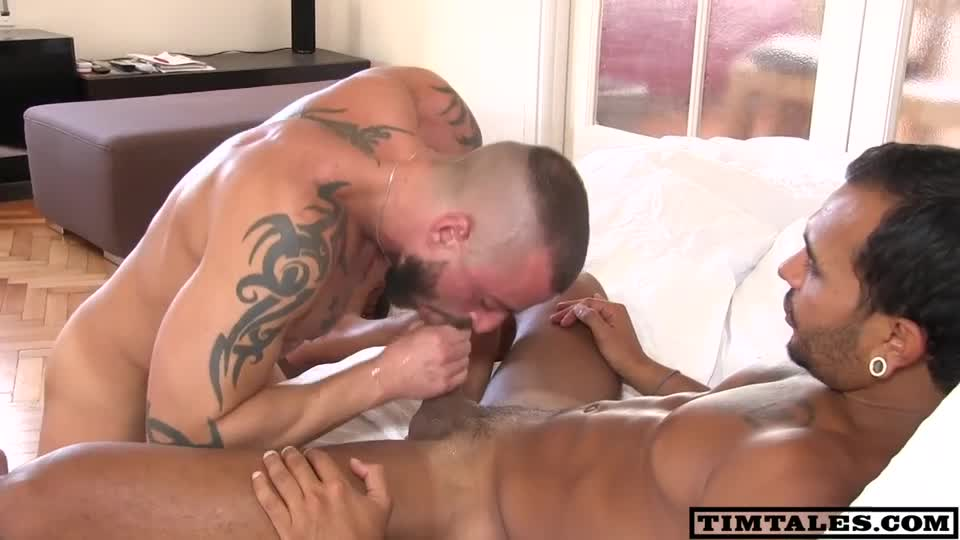 Sexy naked straight men