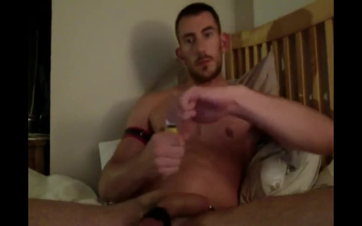 Straight muscle boy pooper play
